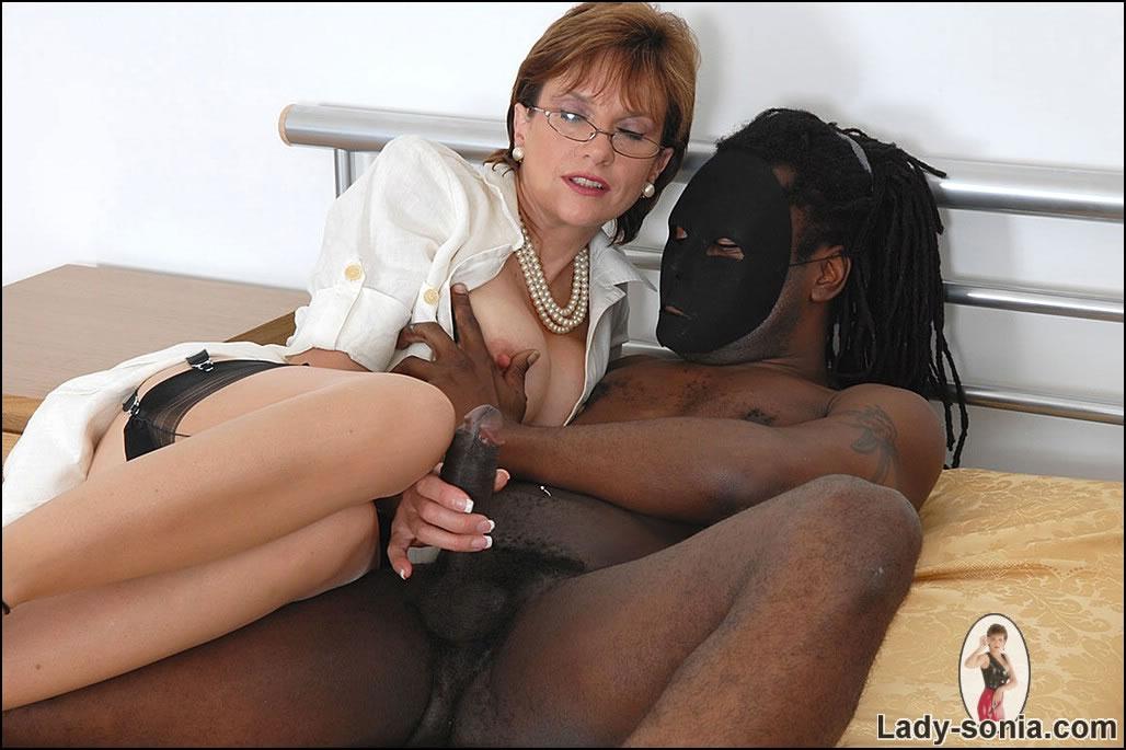 Lady Sonia Sucking